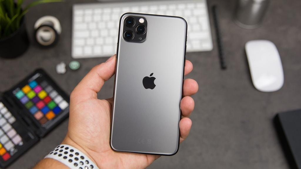 Gia iPhone 11 cham day tai Viet Nam, 13 trieu da co the mua hinh anh 1