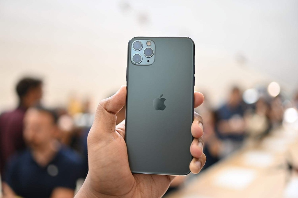 iPhone giam gia anh 2
