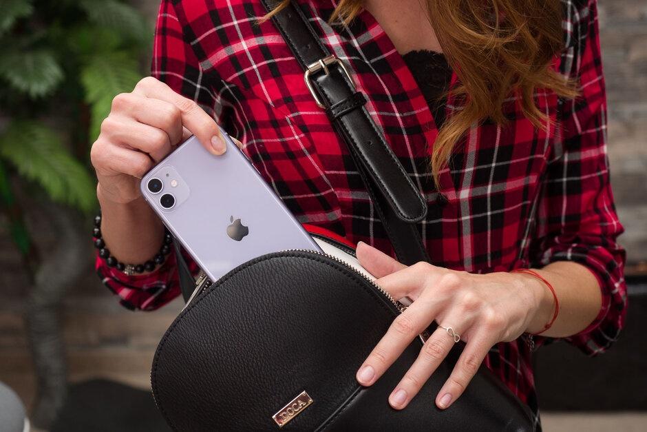 Smartphone da thay doi ra sao trong nam 2019? hinh anh 5 Apple_iPhone_11.jpg