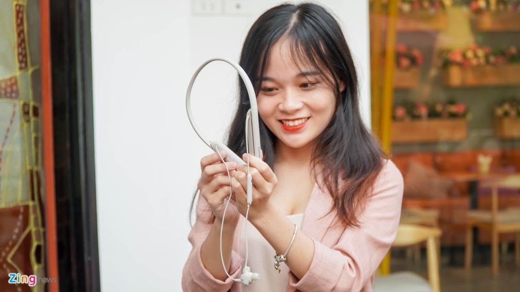 AirPods Pro doi dau Sony WI-1000XM2: 7 trieu chon tai nghe nao? hinh anh 10 DSC03943_zing.jpg