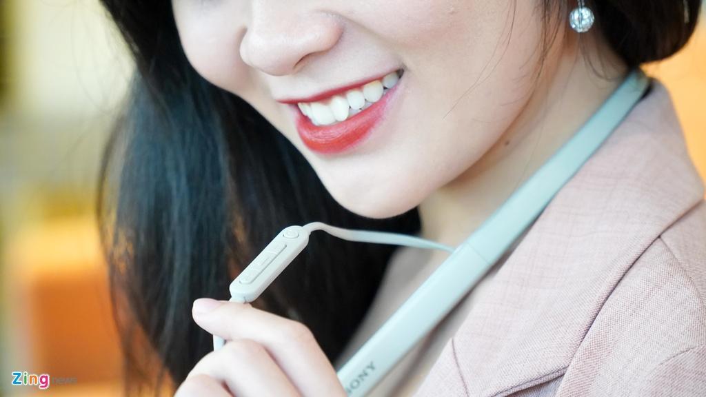 AirPods Pro doi dau Sony WI-1000XM2: 7 trieu chon tai nghe nao? hinh anh 8 DSC03965_zing.jpg