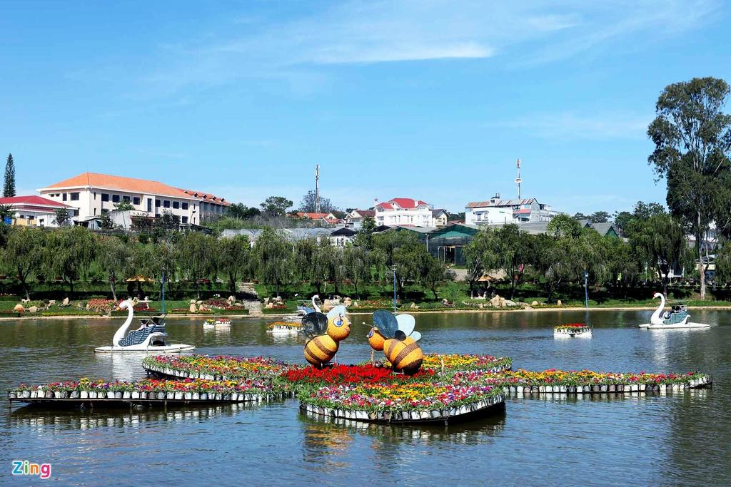 Sac mau ruc ro o festival Hoa Da Lat 2015 hinh anh 19