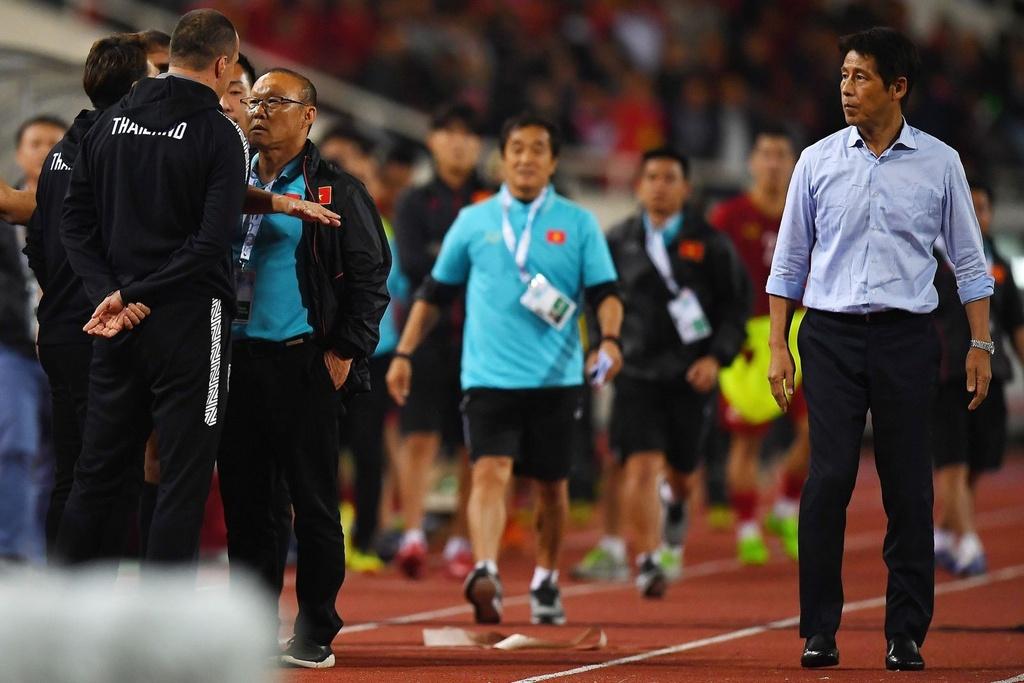 'Phai dua tro ly tuyen Thai Lan len FIFA xu nang' hinh anh 2