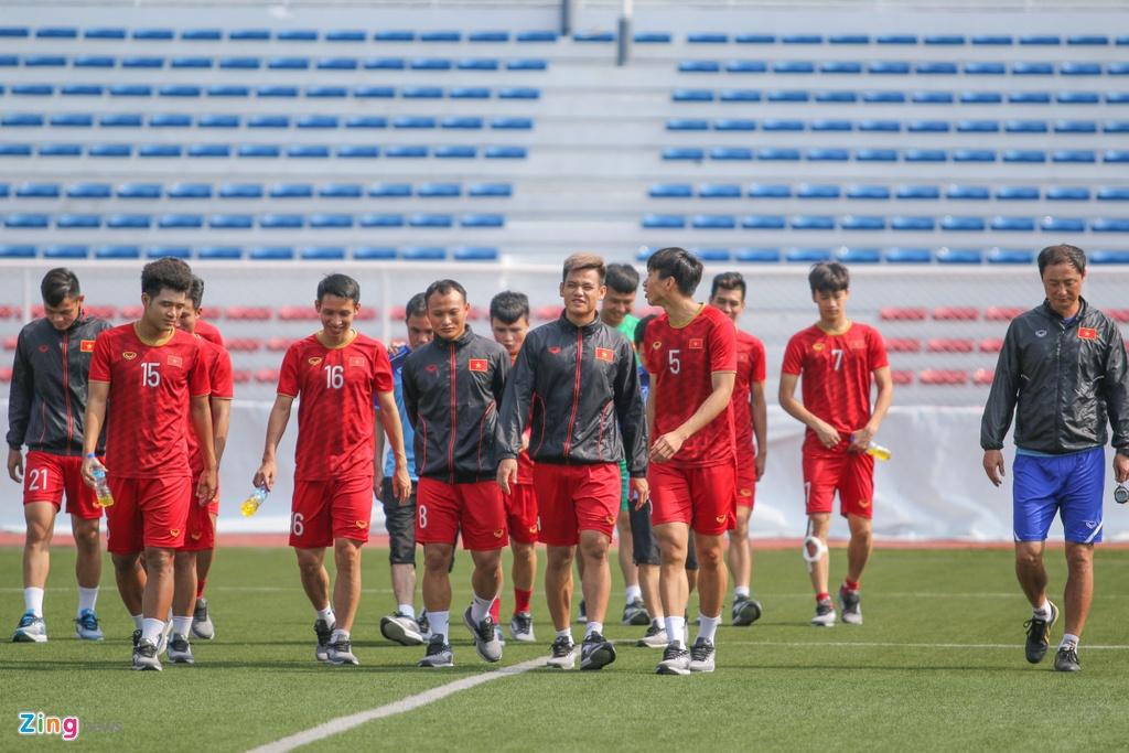 HLV Park trao doi voi Tien Dung truoc ban ket SEA Games hinh anh 2
