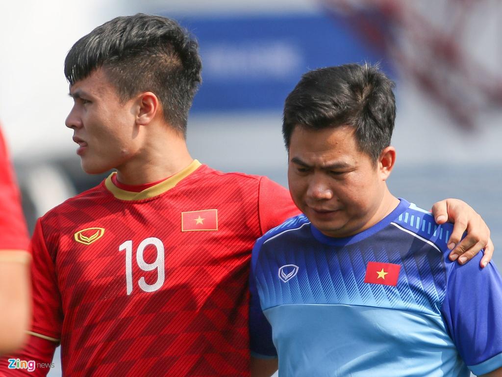 HLV Park trao doi voi Tien Dung truoc ban ket SEA Games hinh anh 6