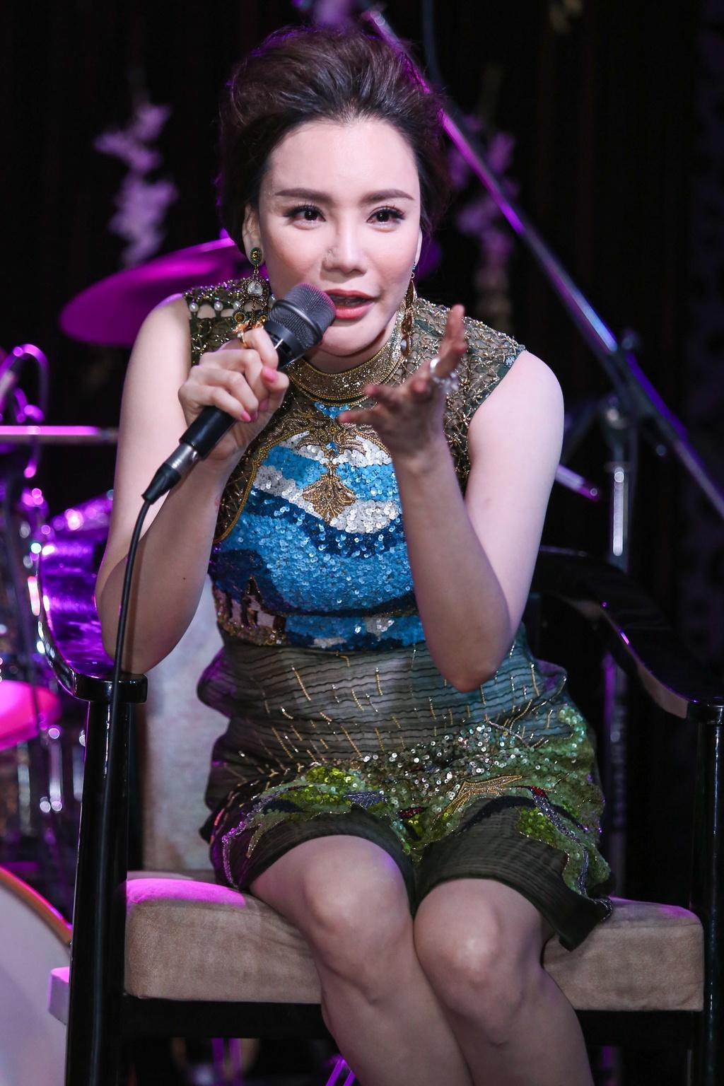 Ho Quynh Huong lo so bi loi thoi sau 5 nam vang bong hinh anh 5