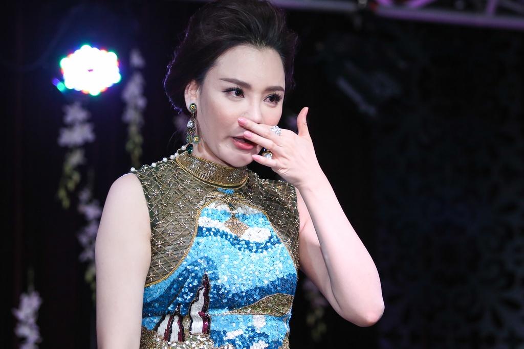 Ho Quynh Huong lo so bi loi thoi sau 5 nam vang bong hinh anh 7