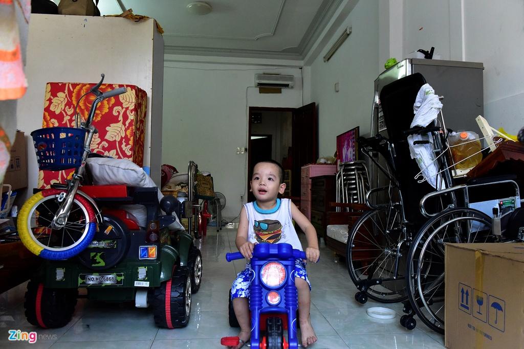 Vo chong dien vien Nguyen Hoang mo quan ca phe muu sinh hinh anh 7