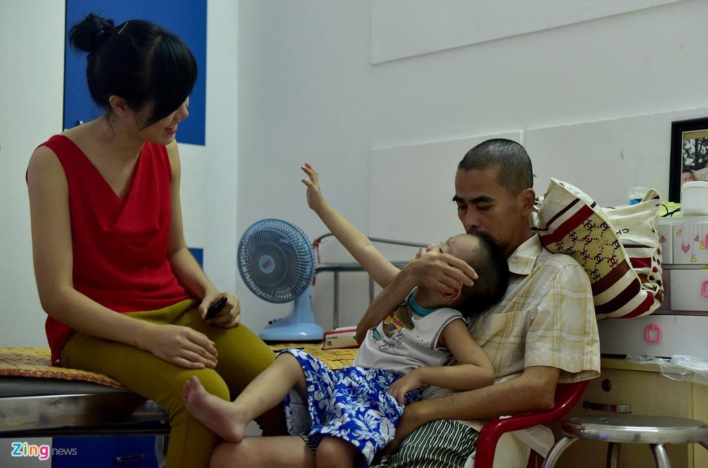 Vo chong dien vien Nguyen Hoang mo quan ca phe muu sinh hinh anh 9