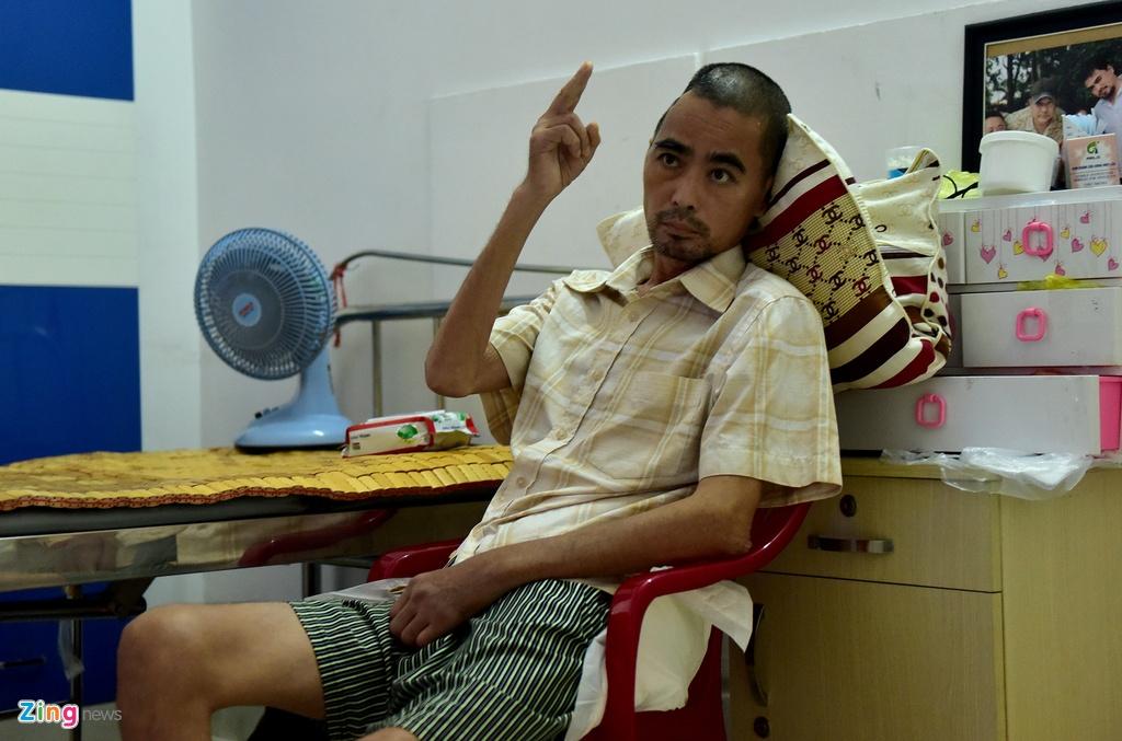 Vo chong dien vien Nguyen Hoang mo quan ca phe muu sinh hinh anh 10