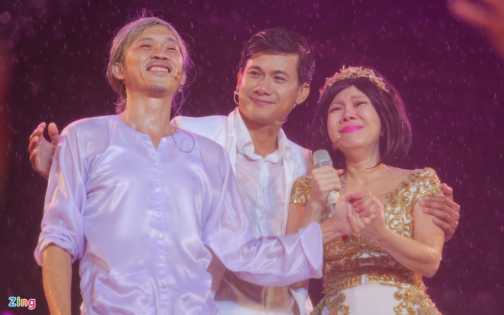 Viet Huong khoc vi hang chuc nghin khan gia dam mua xem show hinh anh 10