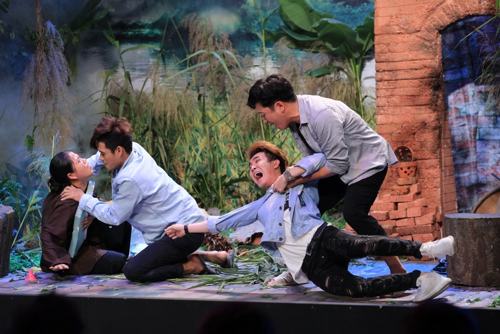 Tran Thanh hoa thang kho lay nuoc mat nguoi xem o On gioi hinh anh 10