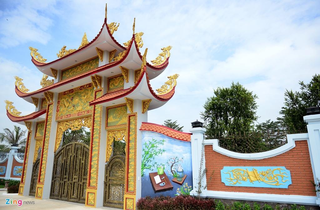 Nha tho To cua Hoai Linh don dep don Tet anh 15