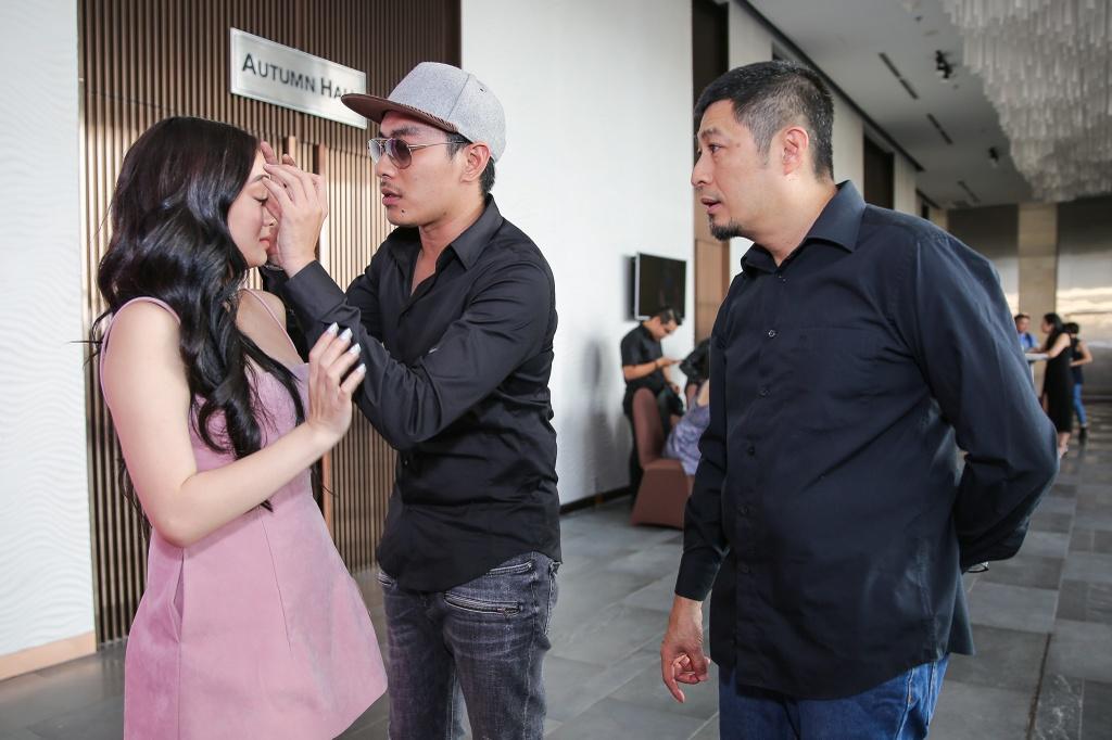 Kieu Minh Tuan so dong 'canh nong' voi dien vien chua du 18 tuoi hinh anh 3