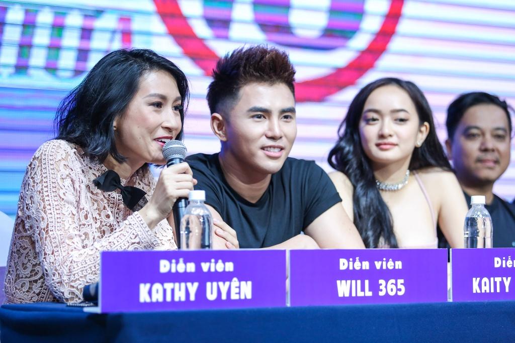 Kieu Minh Tuan so dong 'canh nong' voi dien vien chua du 18 tuoi hinh anh 7