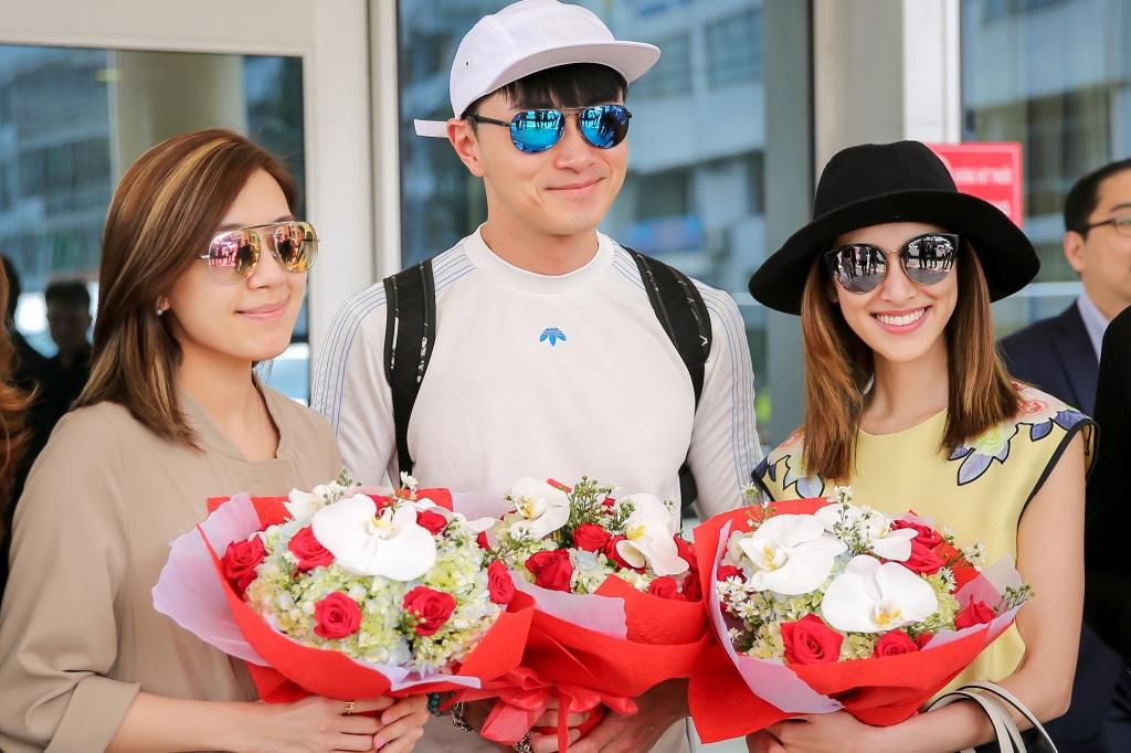 Hoa hau Hong Kong duoc dan ve si ho tong o san bay Tan Son Nhat hinh anh 3