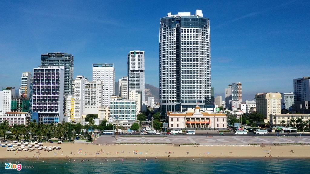Condotel, khach san cao tang chen chuc doc bo bien Nha Trang hinh anh 4 Condotel, khách sạn cao tầng chen chúc dọc bờ biển Nha Trang Condotel, khách sạn cao tầng chen chúc dọc bờ biển Nha Trang 234 zing 1