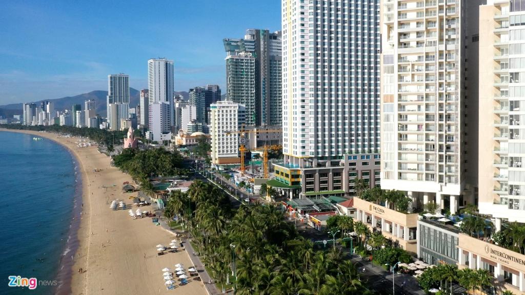 Condotel, khach san cao tang chen chuc doc bo bien Nha Trang hinh anh 1 Condotel, khách sạn cao tầng chen chúc dọc bờ biển Nha Trang Condotel, khách sạn cao tầng chen chúc dọc bờ biển Nha Trang nhatrang zing 17