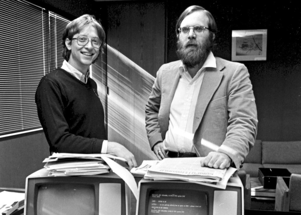 40 nam Bill Gates thay doi the gioi cung Microsoft hinh anh 2 10_17_allen_and_gates.jpg