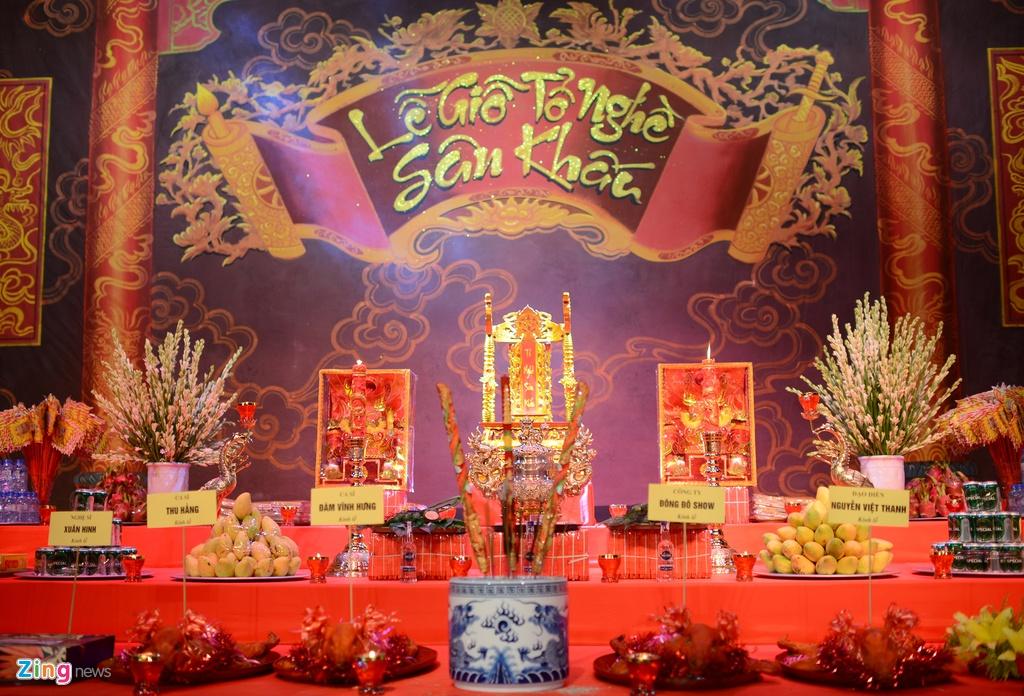 Dam Vinh Hung ra Ha Noi dang huong To nghe san khau hinh anh 1