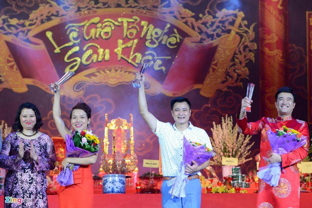Dam Vinh Hung ra Ha Noi dang huong To nghe san khau hinh anh 11
