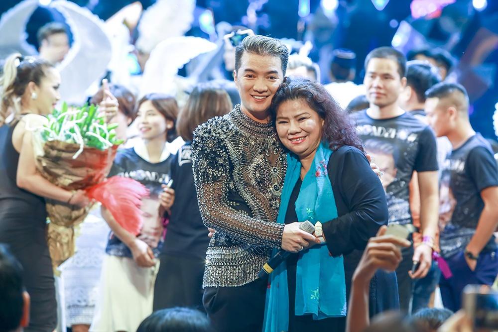Show Mr. Dam tai Ha Noi gay an tuong voi san khau bieu dien hinh anh 14