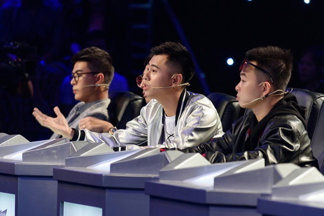Duong Cam lan dau 'lac troi' vao ghe nong game show: 'That bat ngo' hinh anh 1