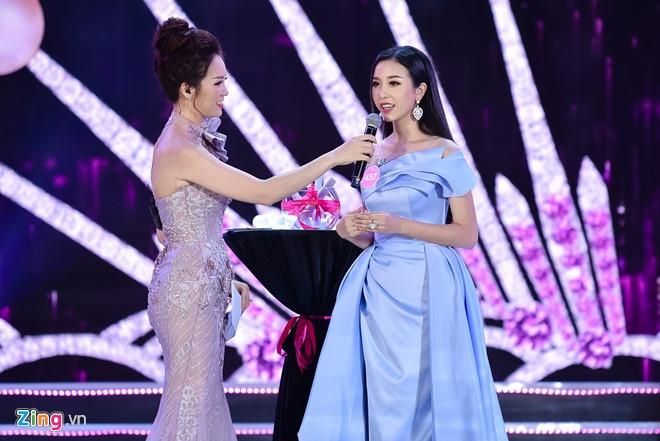 Phan thi ung xu Hoa hau Viet Nam 2018 gay tranh cai vi 'cach mang 4.0' hinh anh 1