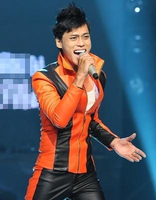 PR bang chuyen tinh duc: Chieu tro ban thiu va re tien o showbiz Viet hinh anh 2
