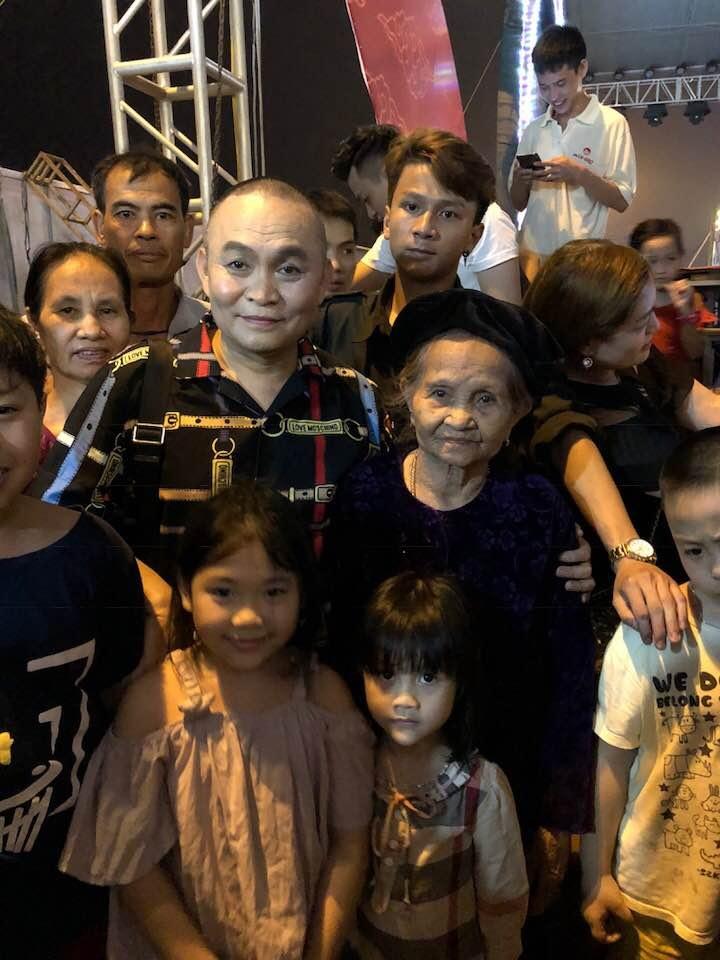 'Vua hai dat Bac' Xuan Hinh: Day dut khi nhan 2.000 USD cua khan gia hinh anh 3
