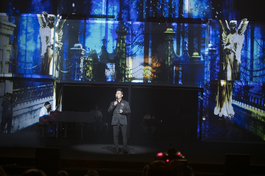 Sau giai ZMA, Huong Tram bung chay trong live show dau tien hinh anh 6
