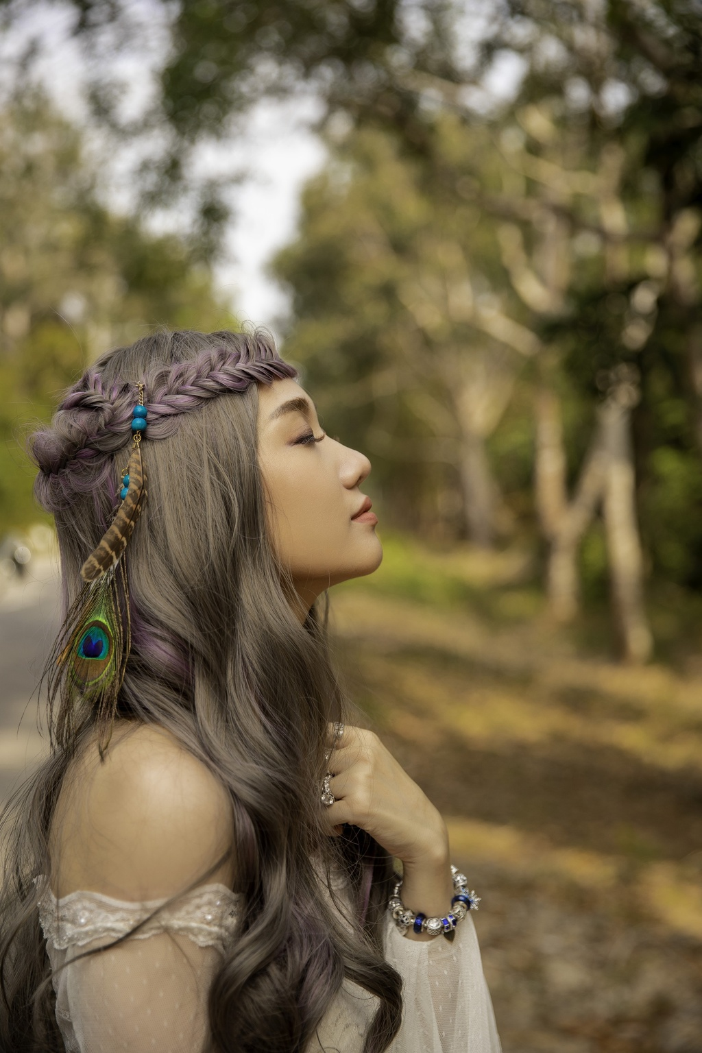 MV 'Vi em van': Hari Won tro lai, khong loi hai duoc nhu xua hinh anh 2
