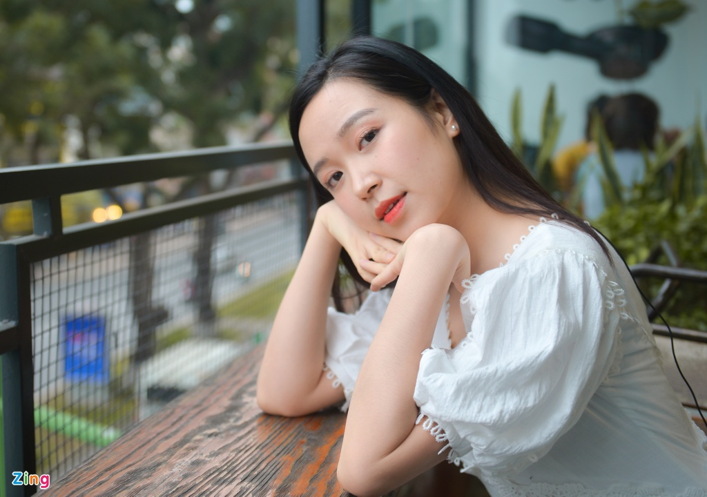Nu thu khoa 9X truong Dien anh: 'Muon co canh hon voi NSUT Cong Ly' hinh anh 1