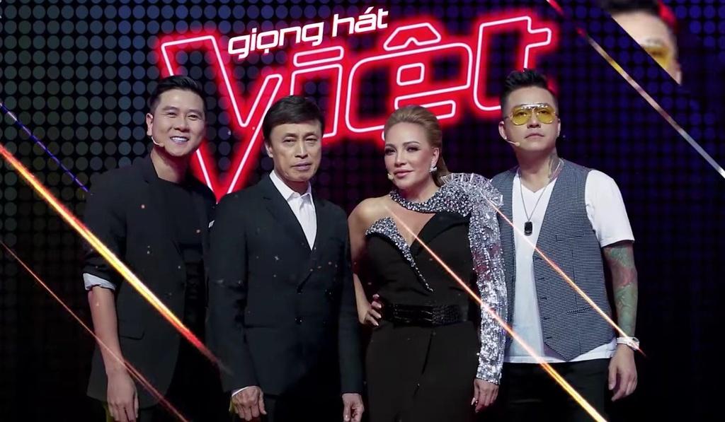 Thay huan luyen vien nhu thay ao la sai lam cua Giong hat Viet? hinh anh 1