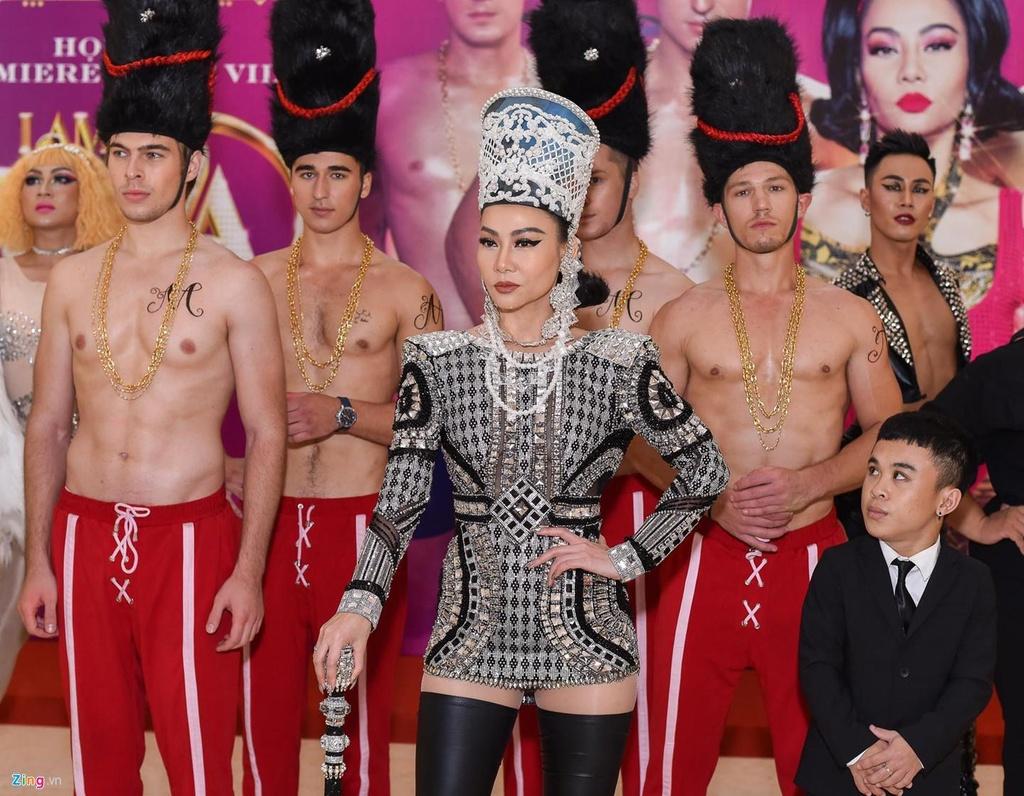 Thu Minh pha bo 'khuon vang thuoc ngoc' cua danh xung diva vi an uc? hinh anh 3