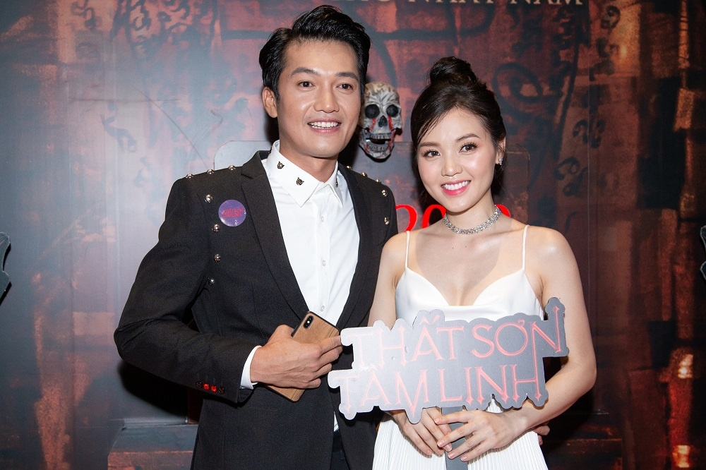 Hoang Yen Chibi xin phep vo Quang Tuan cho dong canh nong hinh anh 2
