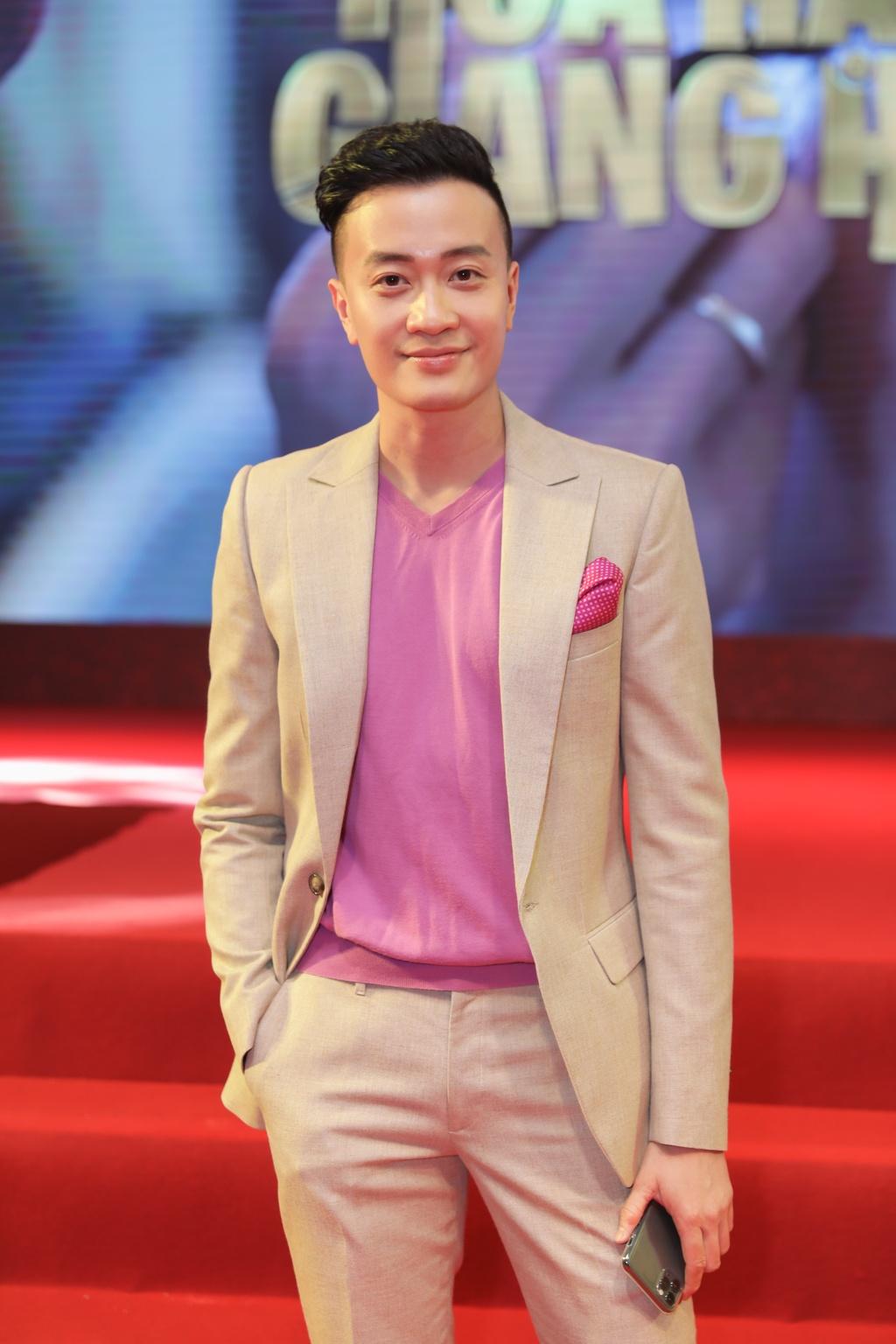 Tang Thanh Ha di xem phim cua Luong Manh Hai hinh anh 3