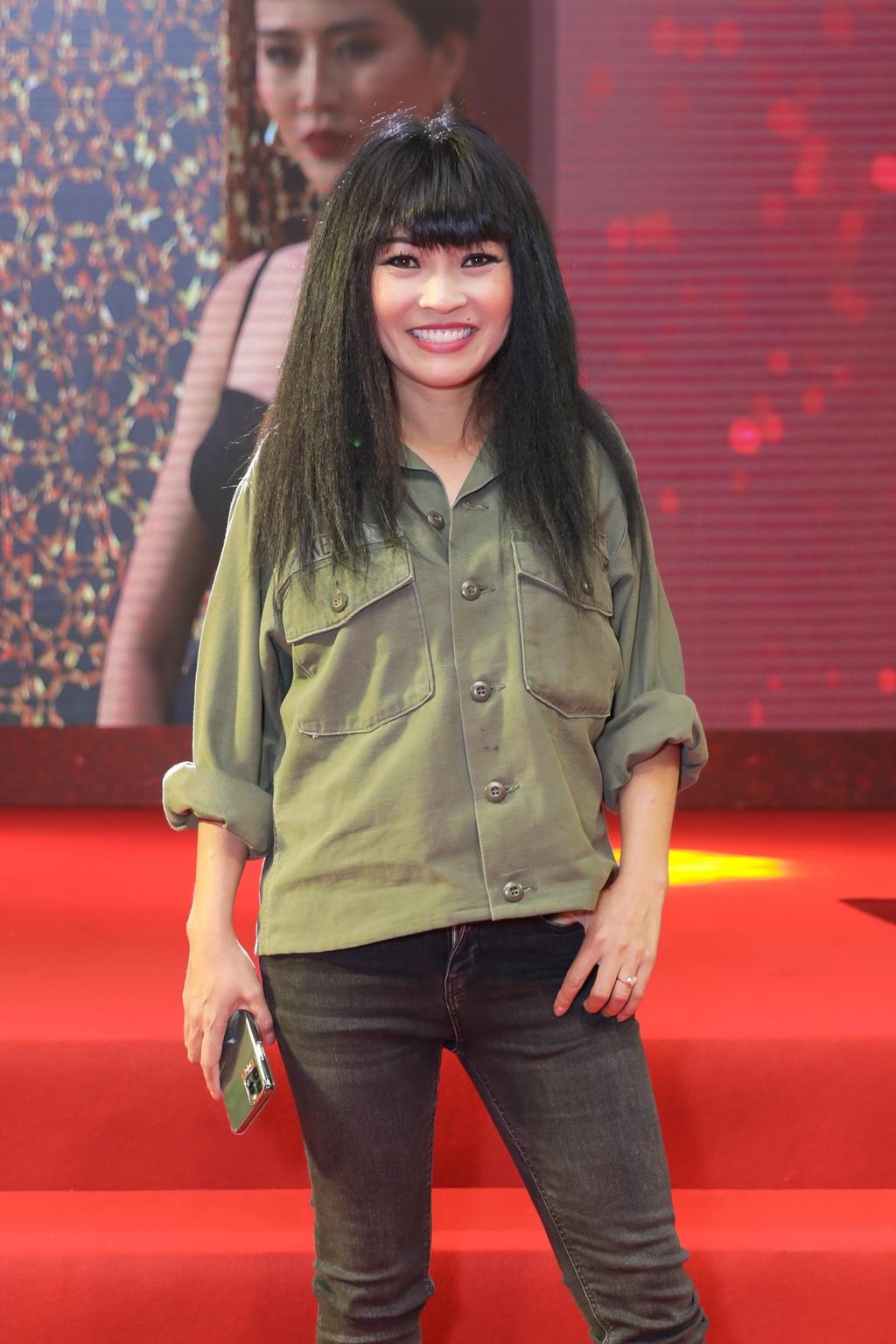 Tang Thanh Ha di xem phim cua Luong Manh Hai hinh anh 11