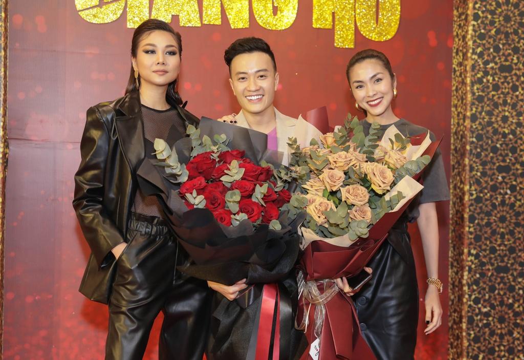 Tang Thanh Ha di xem phim cua Luong Manh Hai hinh anh 1