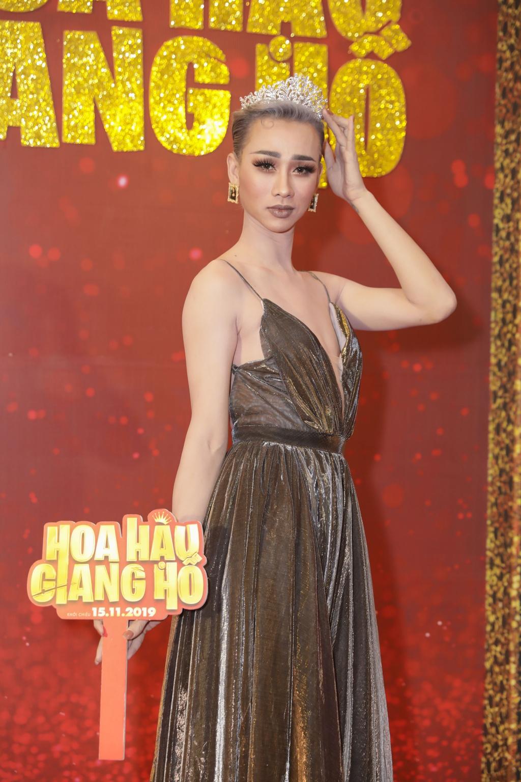 Tang Thanh Ha di xem phim cua Luong Manh Hai hinh anh 10