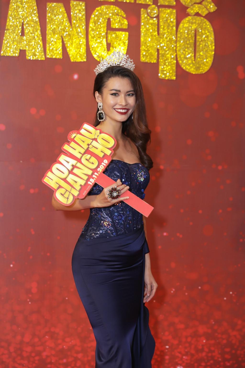 Tang Thanh Ha di xem phim cua Luong Manh Hai hinh anh 7