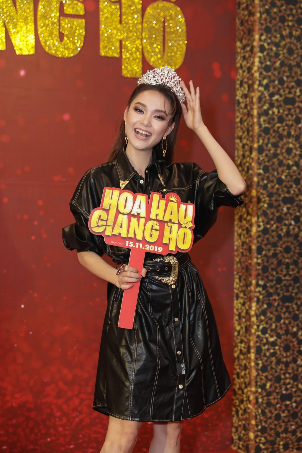 Tang Thanh Ha di xem phim cua Luong Manh Hai hinh anh 8
