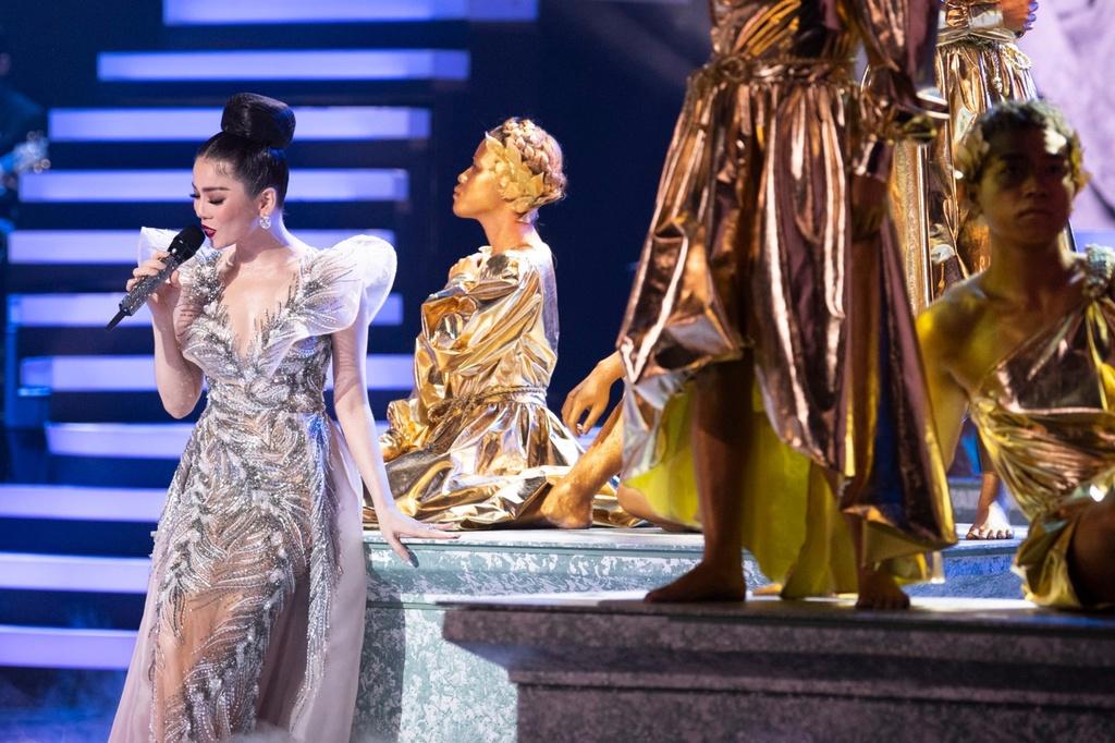 Le Quyen hau dong cung me trong live show hang chuc ty dong hinh anh 4 IMG_3464.JPG