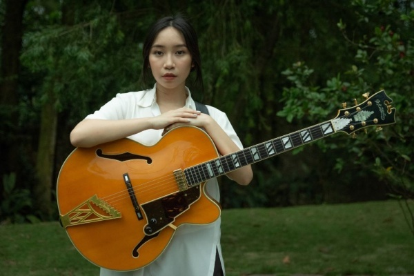 MV mot trieu dong cua con gai My Linh: Co xung danh 'con nha noi'? hinh anh 5 203327_my_anh_1.jpg