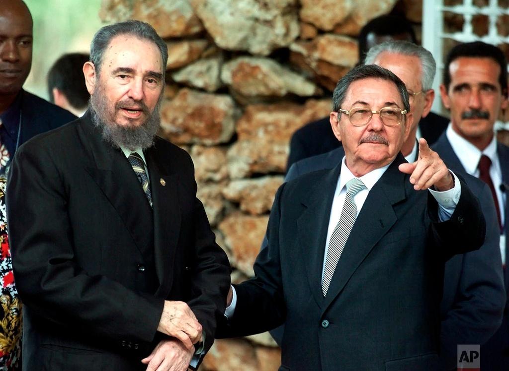 Sau thap ky anh em Fidel Castro cung lanh dao Cuba hinh anh 7