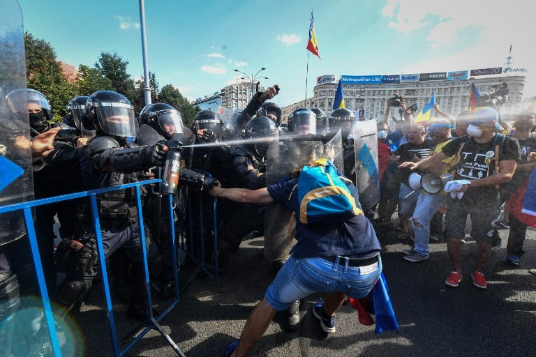 100.000 nguoi Romania bieu tinh doi chinh phu tu chuc hinh anh 3