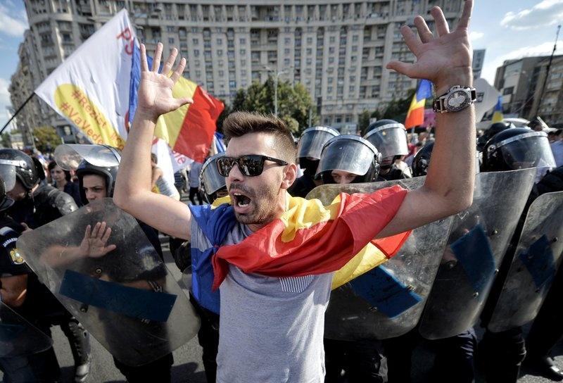 100.000 nguoi Romania bieu tinh doi chinh phu tu chuc hinh anh 5