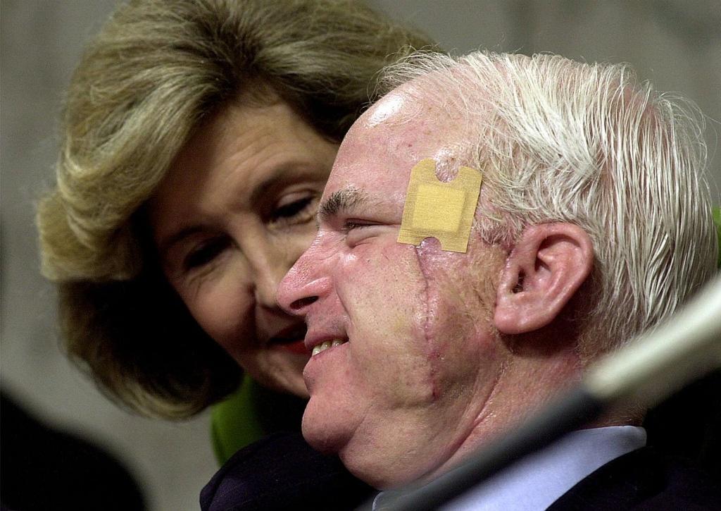 thuong nghi si John McCain anh 10