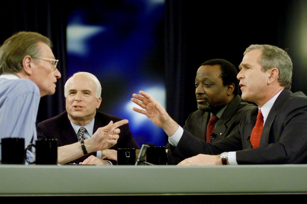 thuong nghi si John McCain anh 13