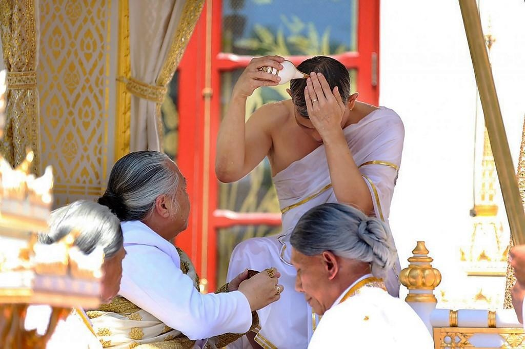 Quoc vuong Thai Lan the se tri vi bang chinh nghia hinh anh 1